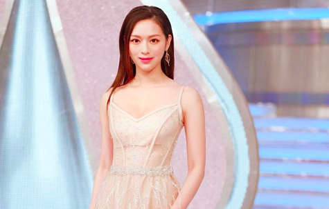 """Former Miss Hong Kong Crystal Fung Says """"Girls Marrying into Wealth are Public Restrooms"""""""