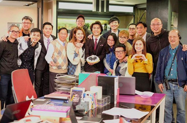Koni Lui Surprises Stanley Cheung with a Birthday Cake on Set