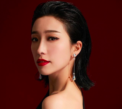 Elaine Yiu Embroiled in Scandal for Dating a Married Man and Befriending His Wife