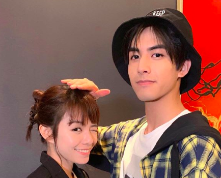 Song Weilong Gave His First On-Screen Kiss to Vivian Sung