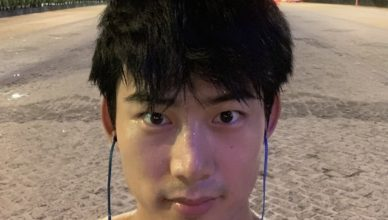 2PM's Ok Taecyeon Shocked Everyone When He Showed Up at a Taiwan Night Market Holding a Girl's Hand