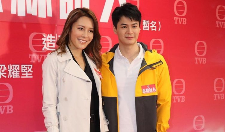 Kelly Cheung Praises Him Law for His Body, Encourages Tavia Yeung to Visit Film Set