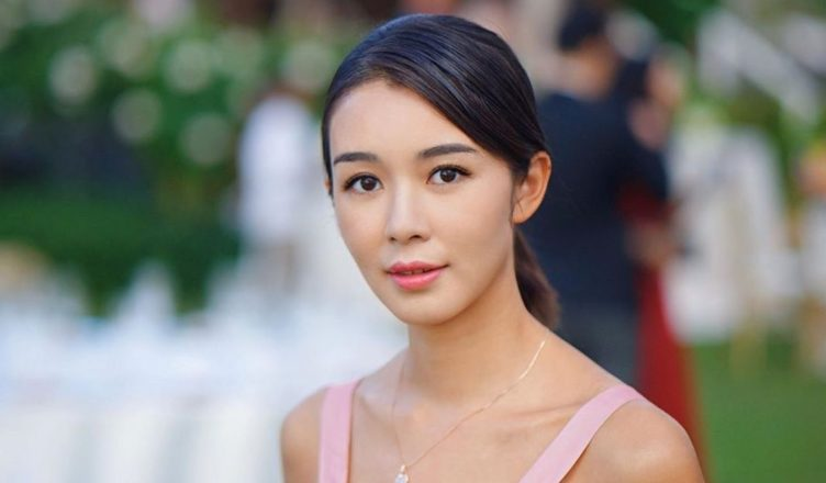 """Louisa Mak No Longer """"TVB's Own Daughter"""" as She Signs """"Per Show Contract"""""""