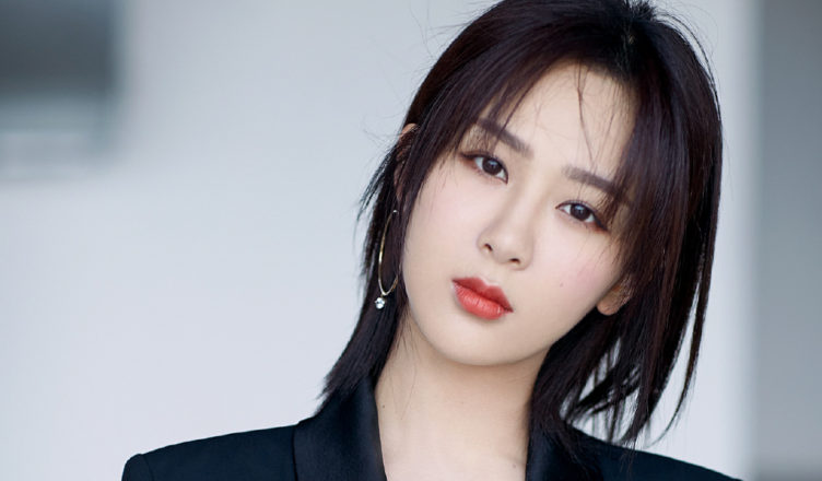 """Yang Zi Shares Thoughts on Labeled as a """"Traffic Volume Celebrity"""""""