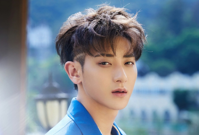 Huang Zitao Frightened His Fans with Two Weibo Posts
