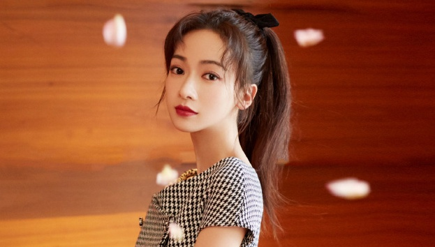 Wu Jinyan Addresses Not Having Any Hits After Story of Yanxi Palace and Lack of Screen Time in New Series, Knock on the Happiness Door